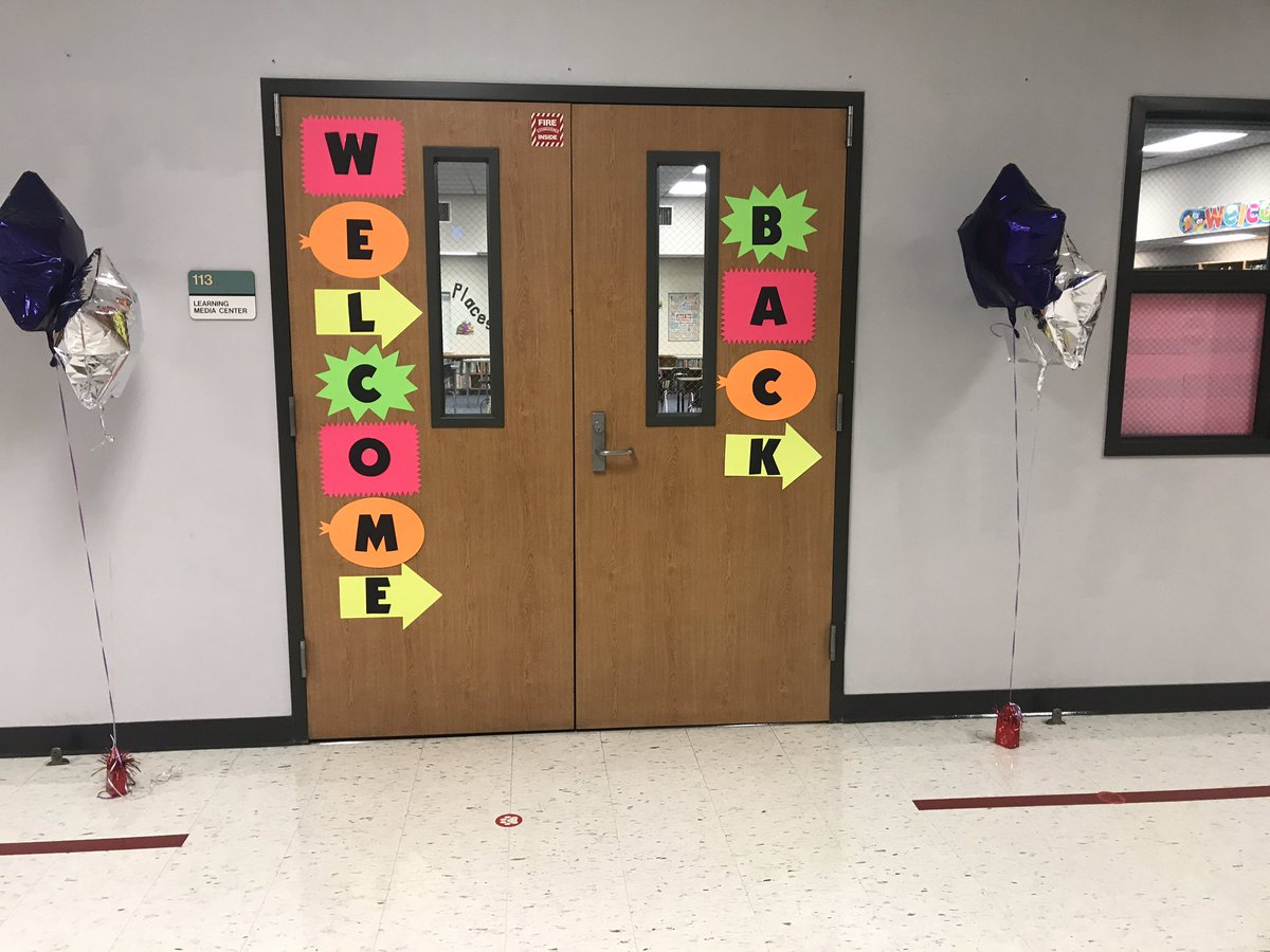 Our school is looking ready to welcome our 2nd and 3rd graders next week! @CarrollES_AISD #kidsdeserveit https://t.co/5sOf6kvbqN