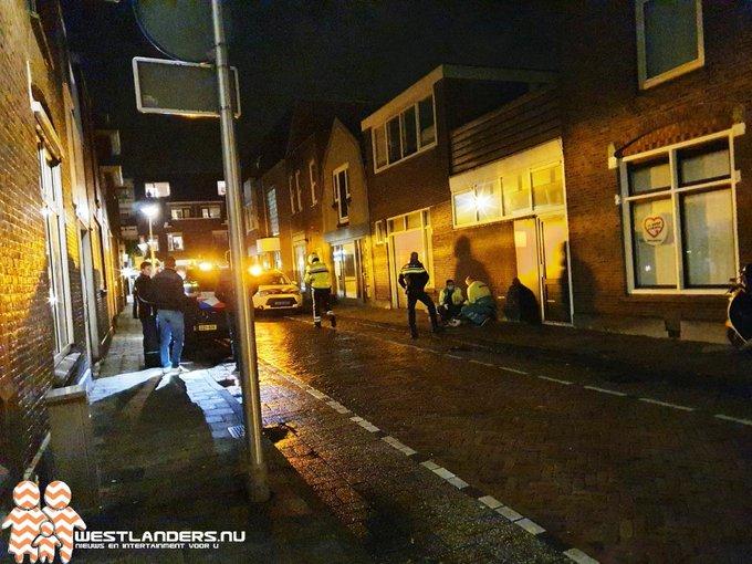 Gewonde scooterrijdster gevonden op straat https://t.co/hAoPSOqzGZ https://t.co/QfkU9ghTNp