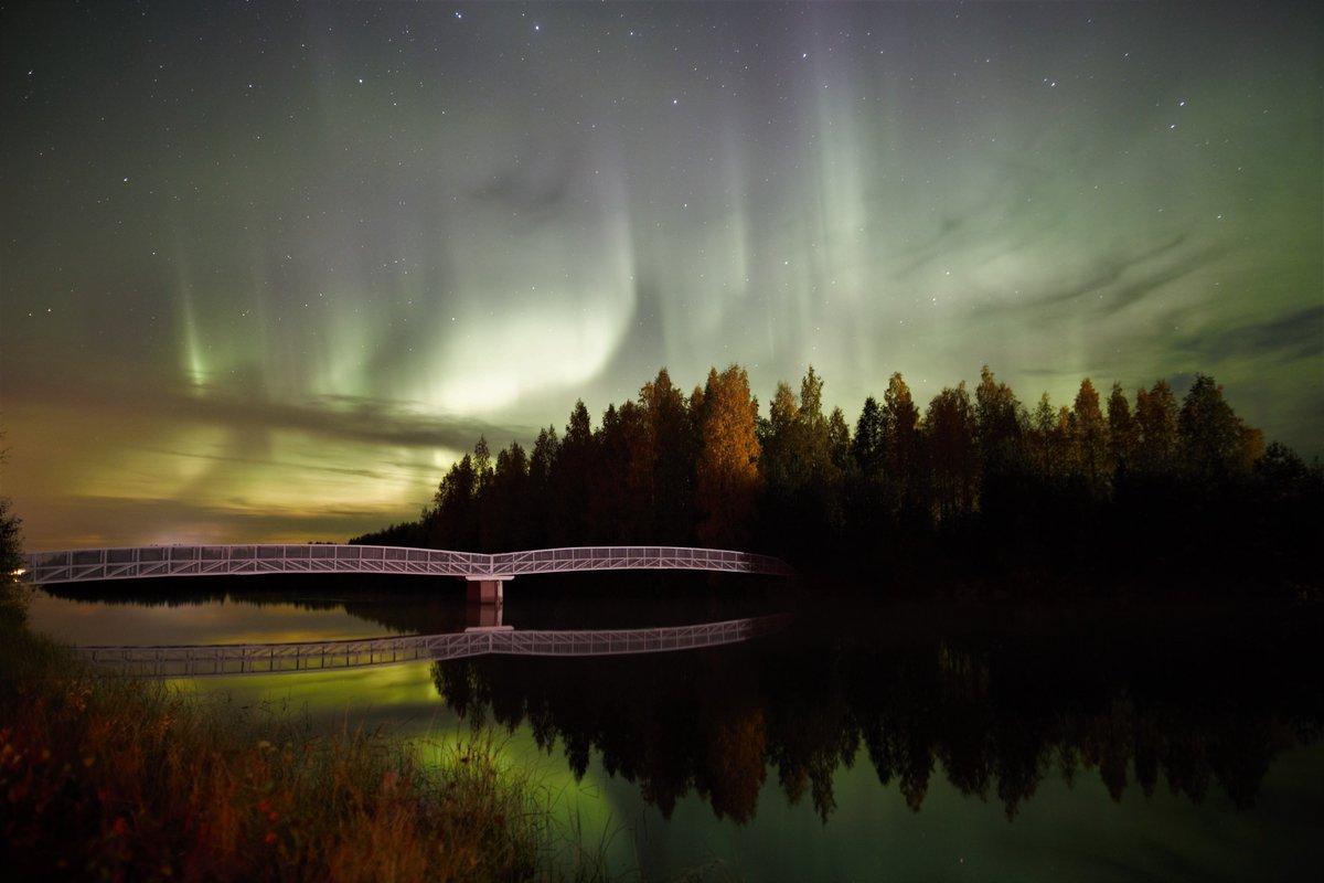 Pohjoista valoa 25.9 2020 Oulujoki Vaala.  #AuroraBorealis #NorthernLights https://t.co/wEfYw39REz
