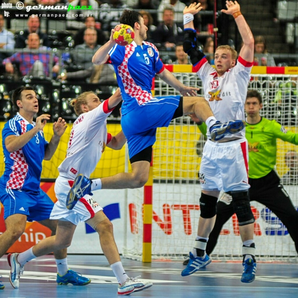 #España2013 Semifinal entre #Dinamarca y #Croacia . . #Handball #Balonmano #Handebol #TeamHandball #Pallamano #ハンドボール #كرة اليد #sport #Sports #photoagency #photosport #sportphotoagency #sportphotography https://t.co/LBdNFS4Iqd https://t.co/icaDHE37nV