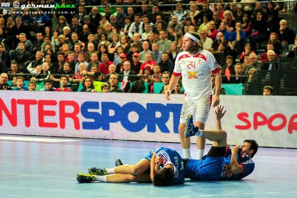 #España2013 Semifinal entre #Dinamarca y #Croacia . . #Handball #Balonmano #Handebol #TeamHandball #Pallamano #ハンドボール #كرة اليد #sport #Sports #photoagency #photosport #sportphotoagency #sportphotography https://t.co/tcHwNdcKII https://t.co/IwYYoFdtMq