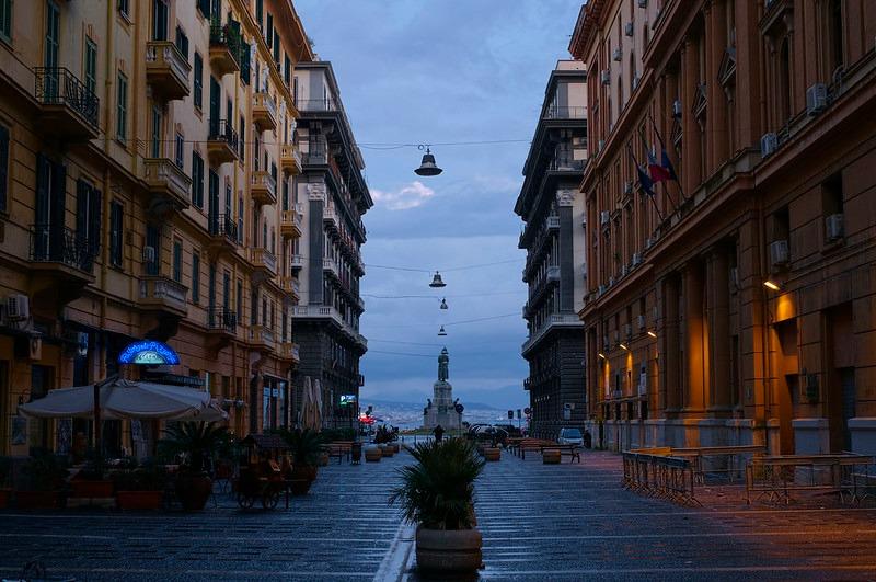 \🇮🇹イタリア屈指のリゾート地・ #ナポリ を散策🐾🇮🇹/  イタリア南部に位置するナポリは街と海、そして絶品イタリア料理も味わえるまさに世界を誇る観光地🇮🇹 死ぬまでに行きたいといわれる程の魅力が沢山✨  明日9/27(日)開催のツアーで現地の魅力をお届け😍 詳細はこちら⬇️ https://t.co/NhmI8RJ3NO https://t.co/A851gqWMDt
