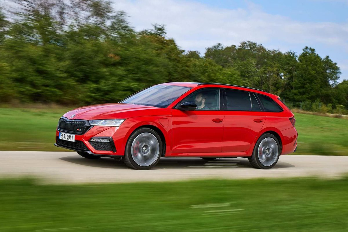 Completecar Ie On Twitter Review Skoda Octavia Combi Rs Iv Does The Skoda Octavia Rs Lose Some Of Its Dynamic Edge In Iv Plug In Hybrid Guise Find Out In Our Review Https T Co 8npga08ah9 Https T Co 6qmlfhgtat