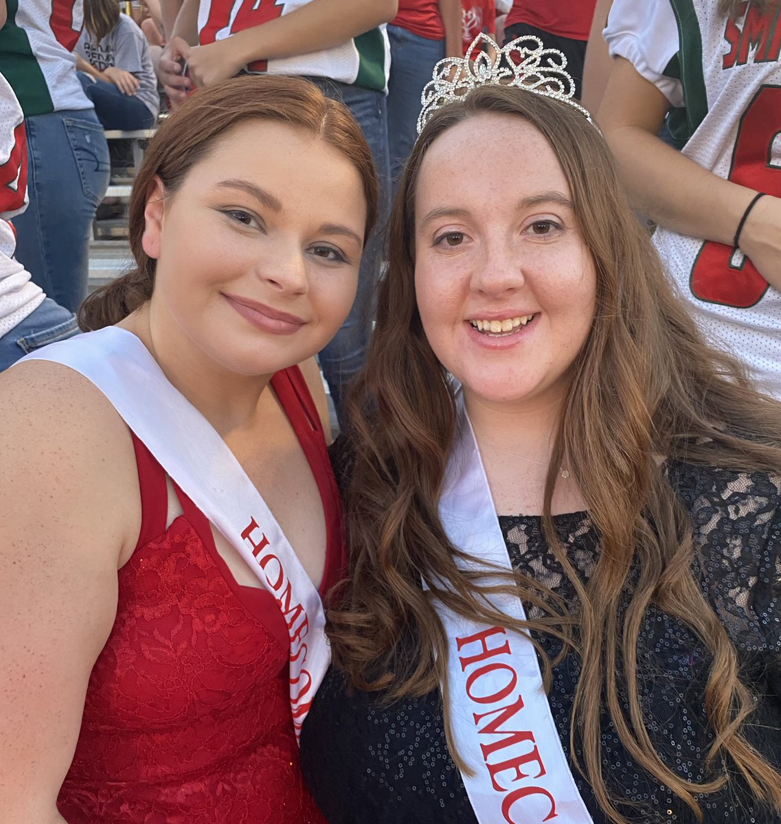 ❤️💚Congratulations to Homecoming👑Queen Alex and Candidate Jaci!❤️💚 #BetheChange https://t.co/eS2yVuEvSI