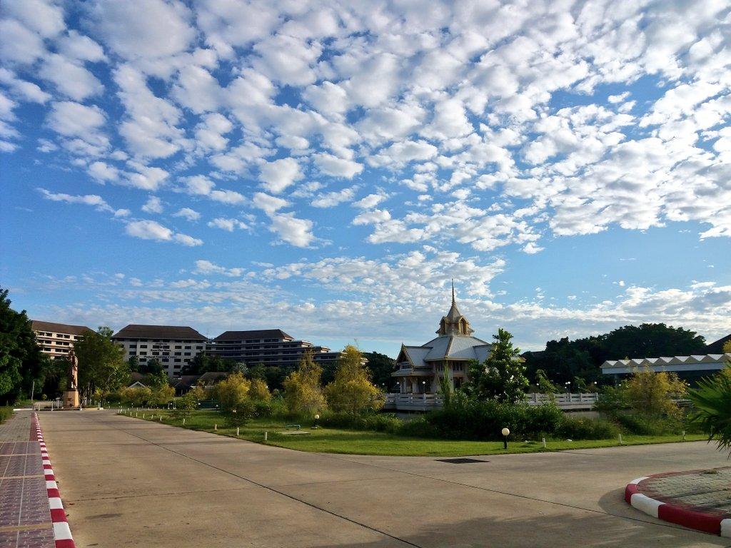 (^-^``) 🌥Beautiful Sky This #Morning 🌥   #Scenery #Atmosphere #Beautiful #Sky #아침 #하늘 #구름 #태국 #날씨 https://t.co/75fuA1x6Nn