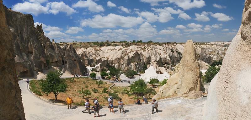 \本日24時受付終了 💨バーチャル旅行 to トルコ・カッパドキア🇹🇷🤩/  9/27(日)のツアーは #世界遺産 でもある絶景、 ギョレメ国立公園からライブ配信でお届け🙌  #カッパドキア 出身のガイドさんがその歴史や観光客に大人気の洞窟ホテルなどをご紹介します💫  詳細はこちら⏬ https://t.co/E2uDyr74Y2 https://t.co/aBepzQdKPD