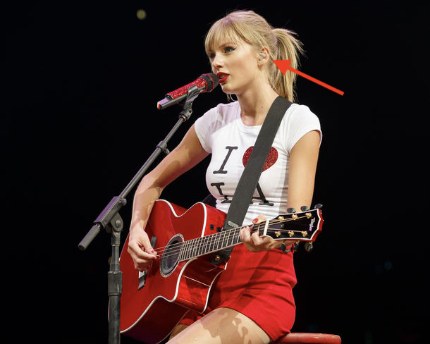 "a lot of academics seem unhappy with their experience recording lectures & their ""zoom fatigue"" from long days of videoconferencing.   I'm a scientist who studies music and sound. I hope this thread will help.  here is Taylor Swift on stage. look what's in her ear!  1/ https://t.co/pMMLstC1SQ"