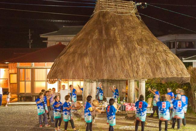 奄美大島の伝統的・伝説的な建築と集落文化を伝える宿泊施設『伝泊』、「第6回ジャパン・ツーリズム・アワード」にて国土交通大臣賞・UNWTO倫理賞をダブル受賞!  @PRTIMES_JP