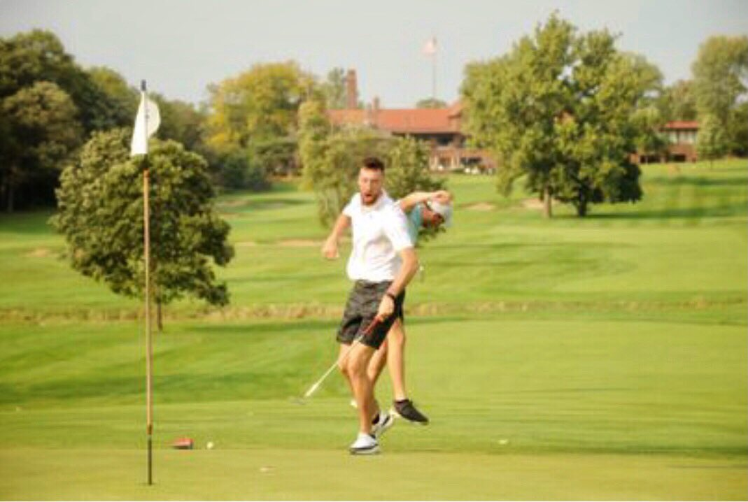 Flossmoor GC was on the verge of extinction pre-pandemic. Once COVID hit, new owners thought: No!! But the club is thriving, with dudes like @FSKPart3 and @TWaddle87 visiting. Here's why: https://t.co/NTARARKgVn https://t.co/GviHxRwcAZ