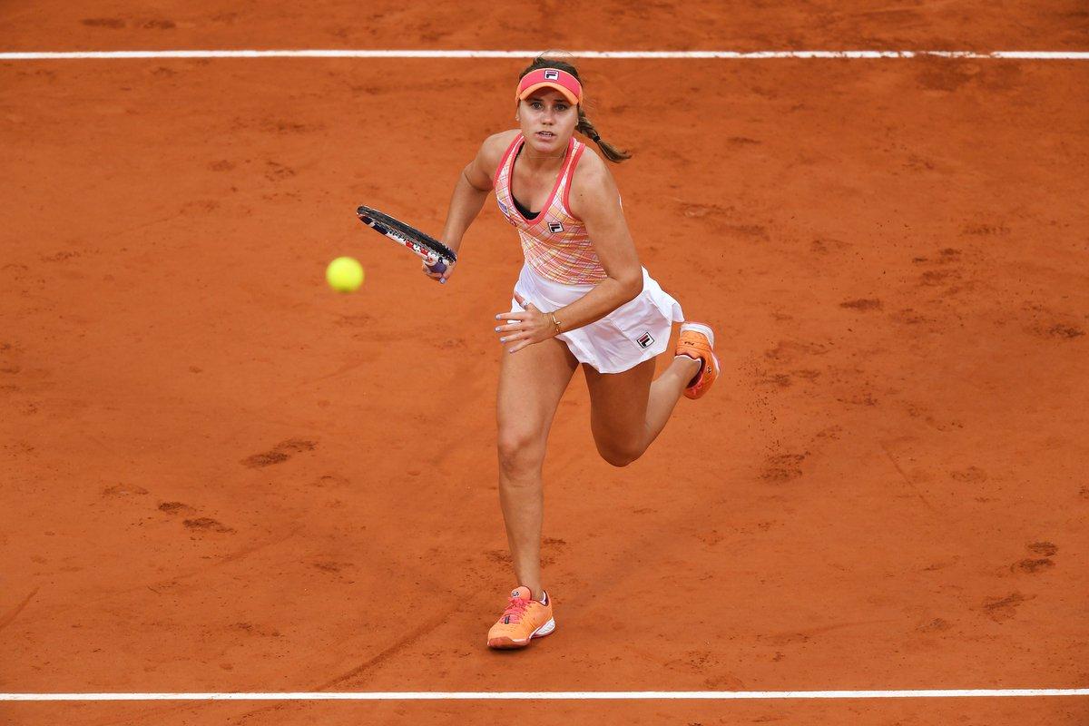 La statunitense🇺🇸 @SofiaKenin si impone su Kvitova per 6-4 7-5 e per la seconda volta giocherà una finale Slam!  #tennis #RG20 #RolandGarros https://t.co/g5qqXRQ8qR