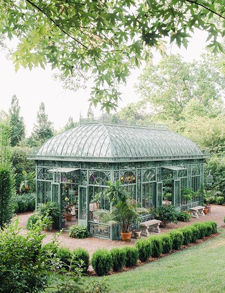 #Architecture Awesome of the Day: Christy and Todd McCain's #Victorian Style Conservatory 🏠 With Hanging #Orchids And Italian #Renaissance Gardens in #Chattanooga #Tennessee #USA 🇺🇸 via @HousesVictorian #SamaPlaces 🗺️