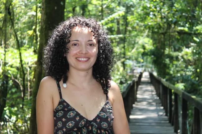 ÁNGELA MALDONADO, primatóloga colombiana  premiada por National Geographic.