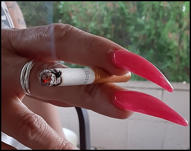 Long Nails and Cigarettes...go together don't you think..? https://t.co/592dBi3rFb