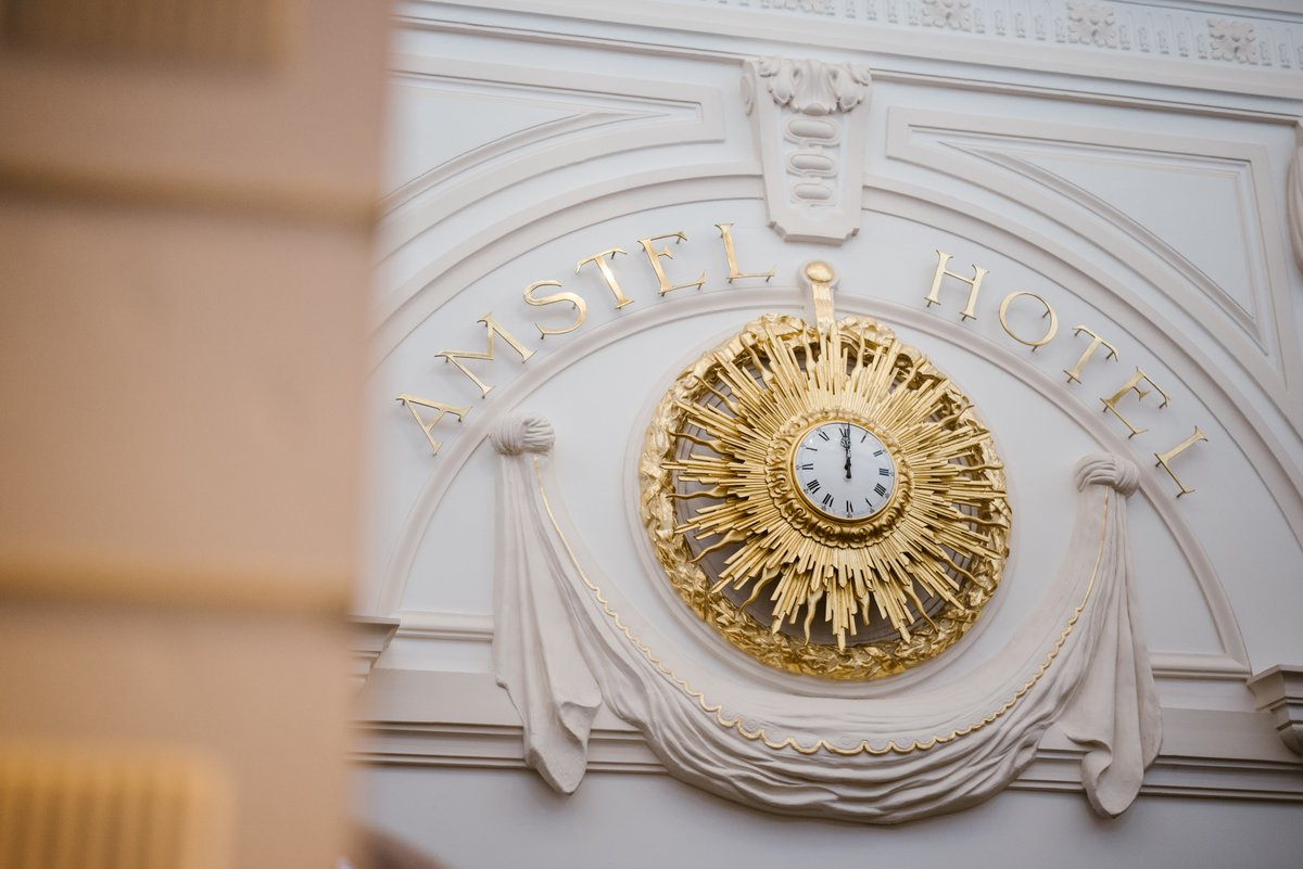 Did you know? The Royal Family offered this gold clock to the Amstel Hotel, after organizing the crowning of her Royal Highness, the Queen Wilhelmina of the Netherlands, in 1898. https://t.co/0p9uq0IS1V