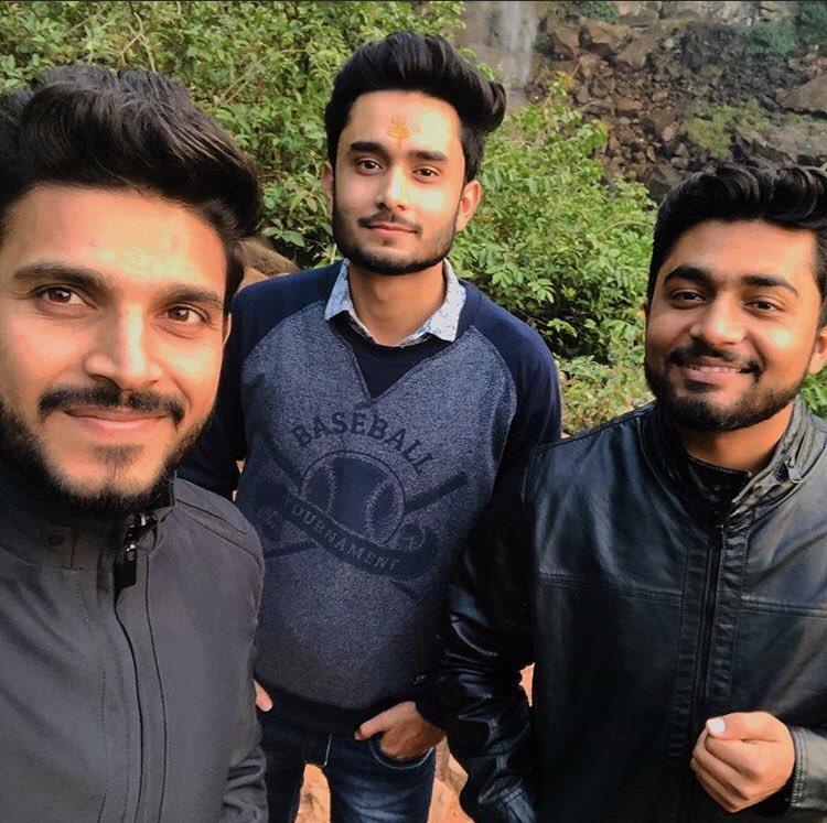 #brothers ❤️ #TBT winters  #india #amarkantak #waterfall #nature #greenry #weekend #mptourism #holidays #indiastandwitharmenia #armenia #Throwback https://t.co/NGkyuwUdm5