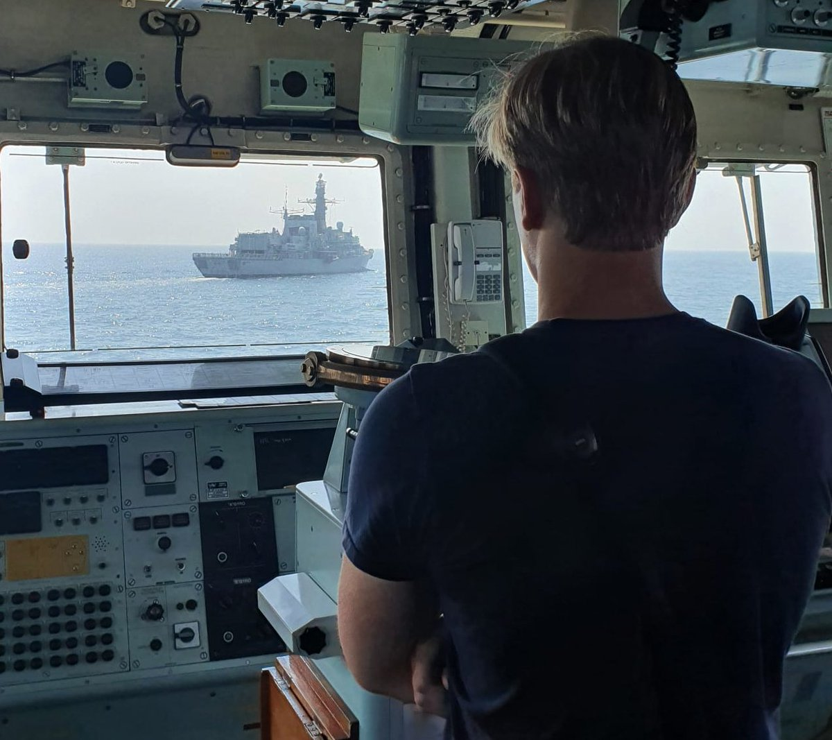 #CloseEncounters @HMSMontrose rendezvoused with us in the Gulf to transfer stores via seaboat before she headed out on patrol - thanks for your help and well see you soon! #fairwindsandfollowingseas!