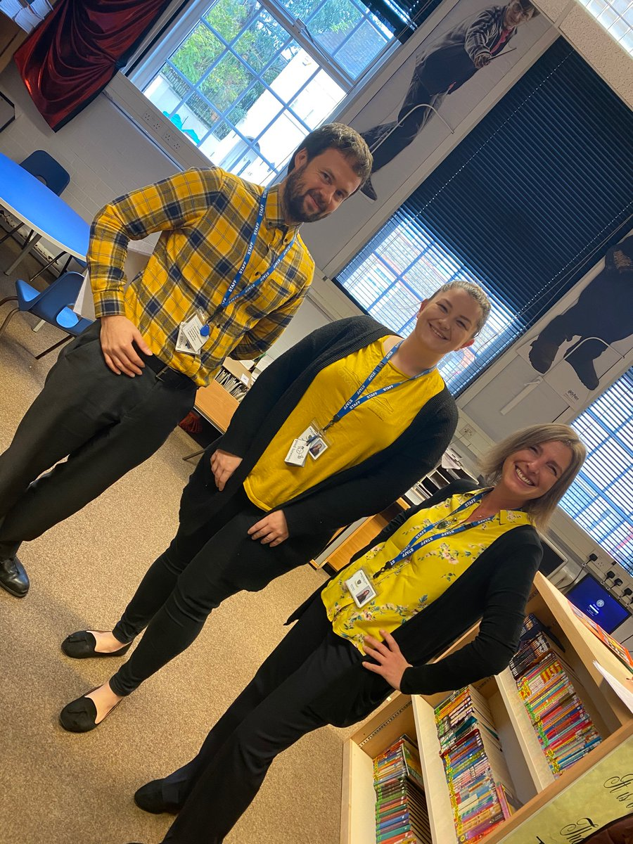 Yellow is a happy colour! We are ready! @YoungMindsUK