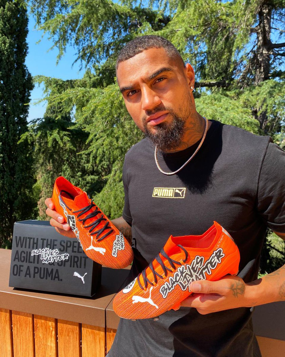 I won't stop ‼️‼️‼️ • These boots mean a lot to me #BLM ✊🏾 @pumafootball https://t.co/OmIzYQVdyS