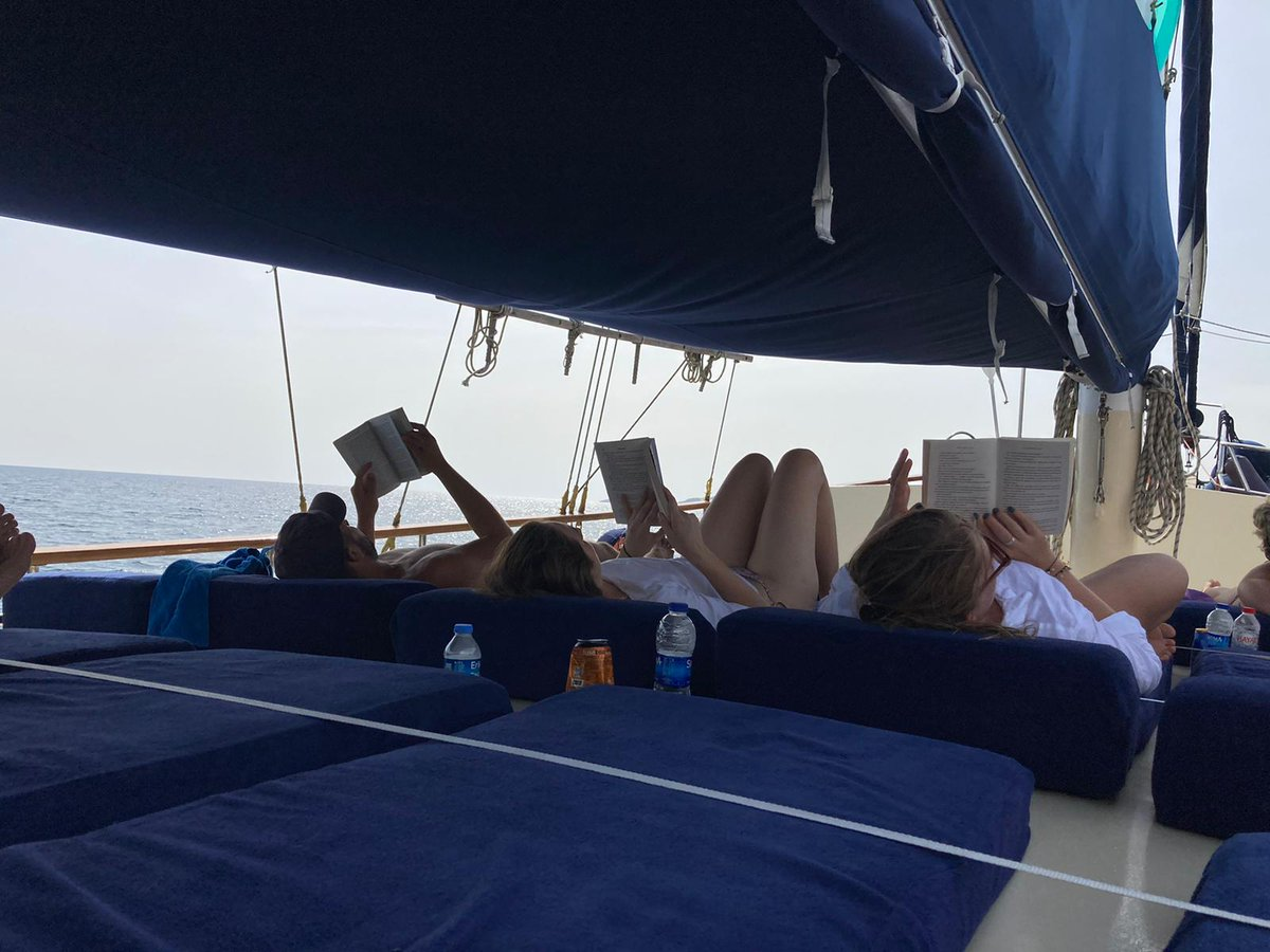 They chose the best candidate to read a book. 📖  Takip Edin 👍 #sandayachting  💬+90 533 139 50 16 ☎️+90 252 413 54 54 📠+90 252 413 55 05 🌐https://t.co/WYk40s6OWV 💌 info@sandayachting.com    #marmaris #teknekiralama #maviyolculuk #guletkiralama #tekne #yatkiralama #gulet https://t.co/Gm3cGwseF1