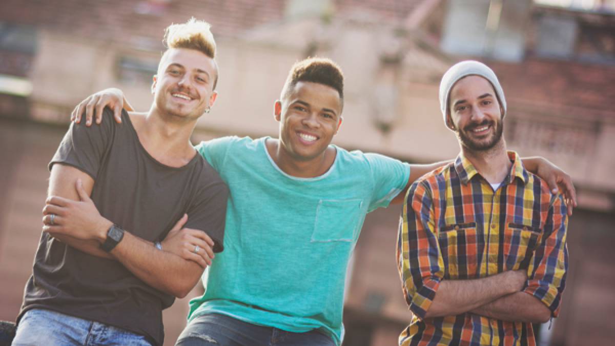 A new MMWR highlights how services that support Hispanic/Latino gay and bisexual men with HIV to stay on their treatment can help them live longer, healthier lives and prevent transmission to others. Read the full report: bit.ly/6940a1