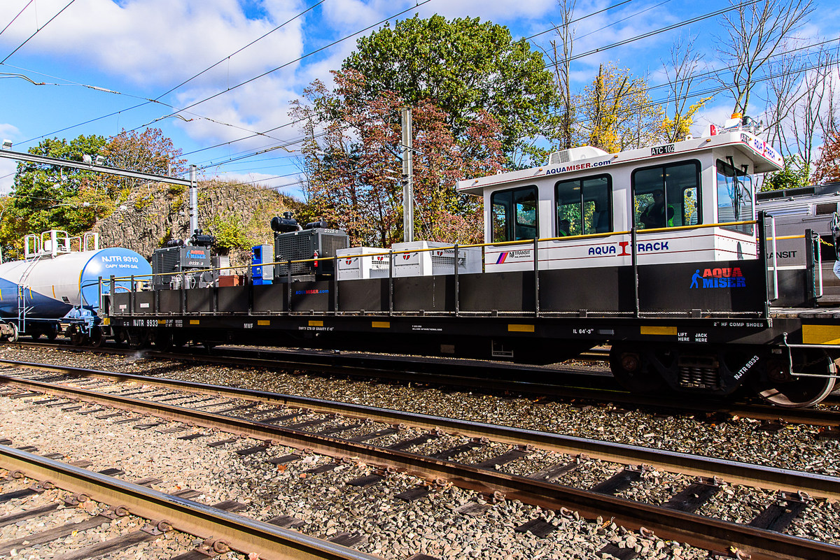Nj Transit On Twitter Beginning Sunday October 11th And Continuing Throughout The Fall Season Nj Transit Will Utilize Two Aquatrack Machines To Clean And Remove Leaves And Oily Residue From Rails To