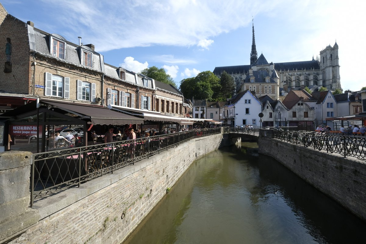 If you're thinking of travelling by ferry next year, Picardy makes a wonderful place to stop, or to spend a holiday!   📌Amiens, Picardy   https://t.co/IskH7sJtDy https://t.co/umG3yvOb37