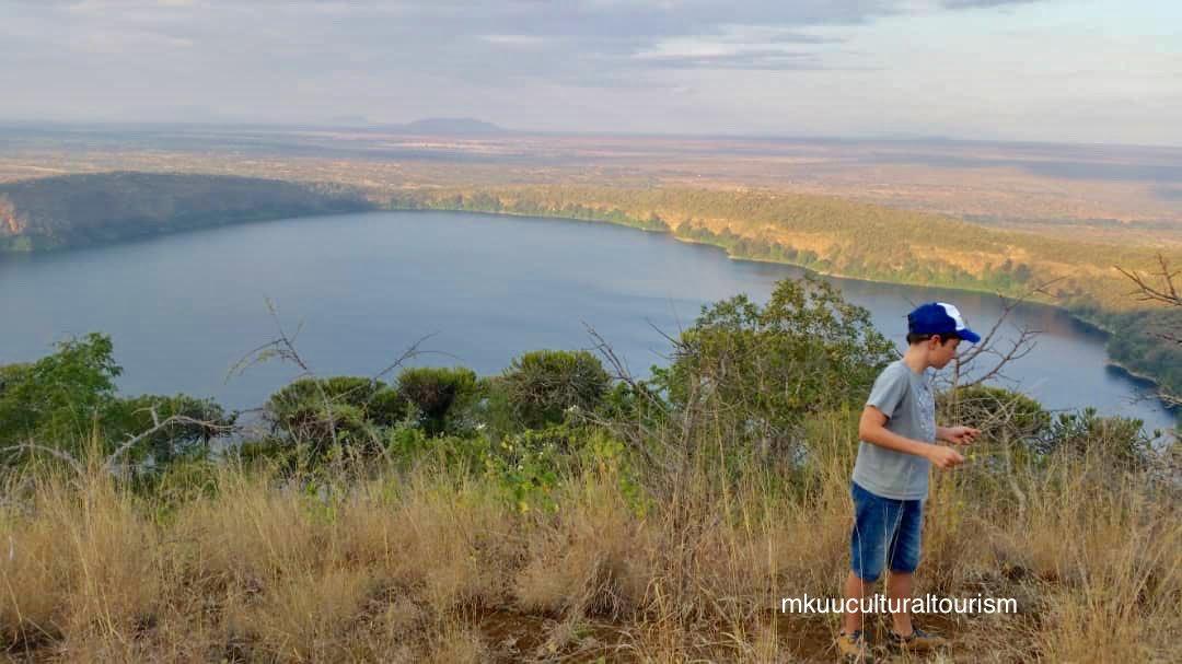 Explore lake Chala with a local guide.  Crater lake bordering Tanzania and Kenya, Enjoying breathtaking views, walking on the crater rim, trekking down the lake, birdwatching, kayaking  and Enjoy life.  #explorelakechala #craterlake #breathtakingview #lakeview #hiking #lakechala https://t.co/3z196KV0FU