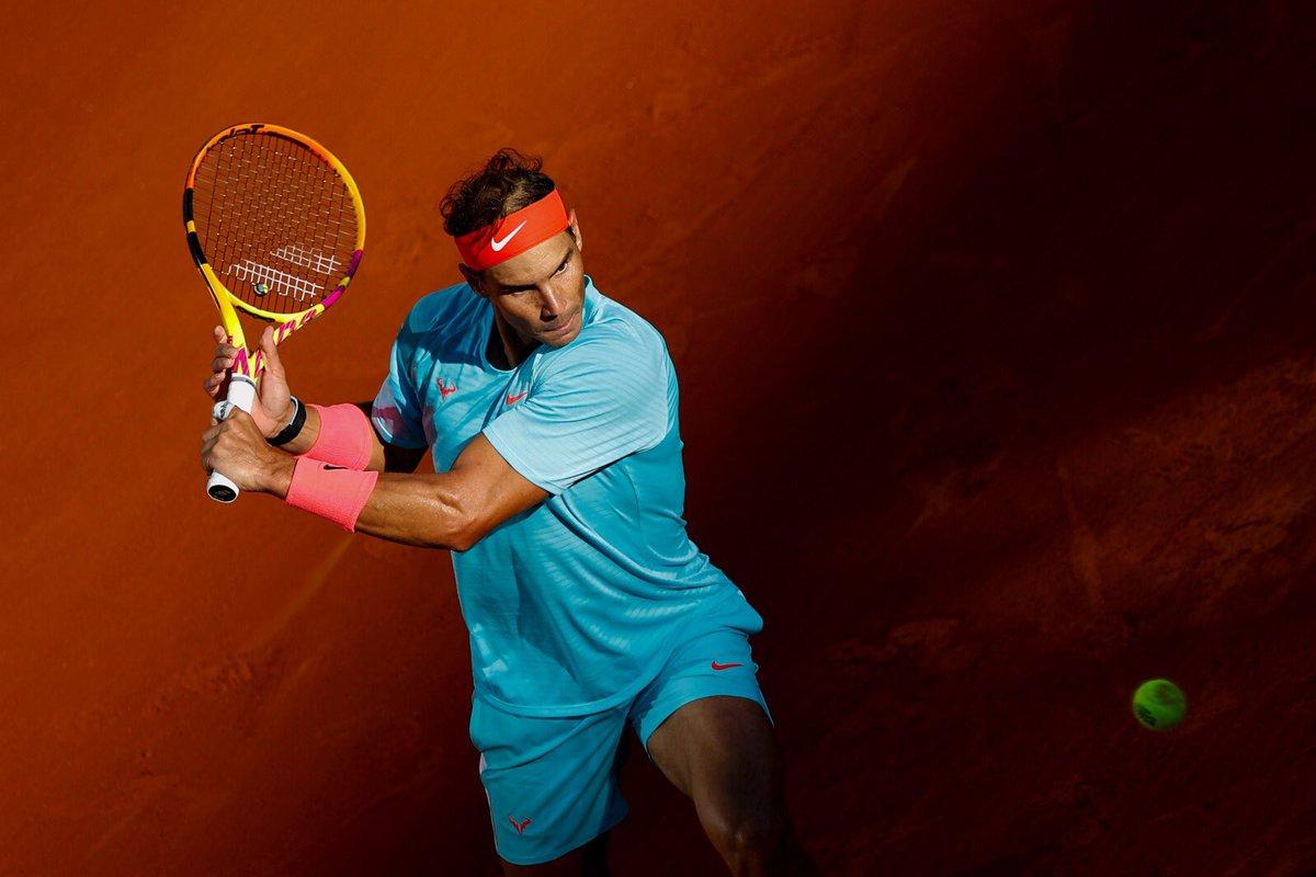 💪🏼 Incredibile Rafa! Tredicesima finale in carriera al #RolandGarros!   @RafaelNadal sconfigge #Schwartzman 63 63 76 e dovrà attendere il match tra Djokovic e Tsitsipas per conoscere il suo avversario!    #tennis #RG20 https://t.co/RfHN2JwjQ9
