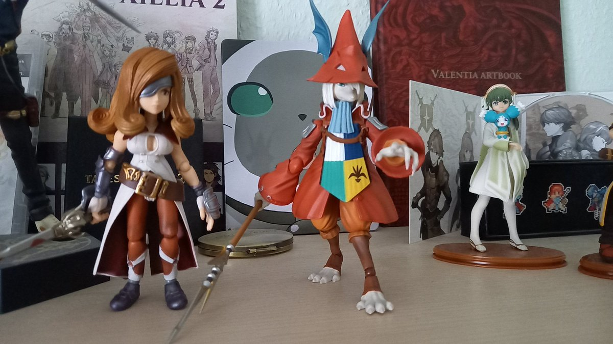 I recently got my two figures of Freya Crescent and Beatrix from Final Fantasy IX! ❤️ What are your collection items of you have any? https://t.co/cotCYmnYCU