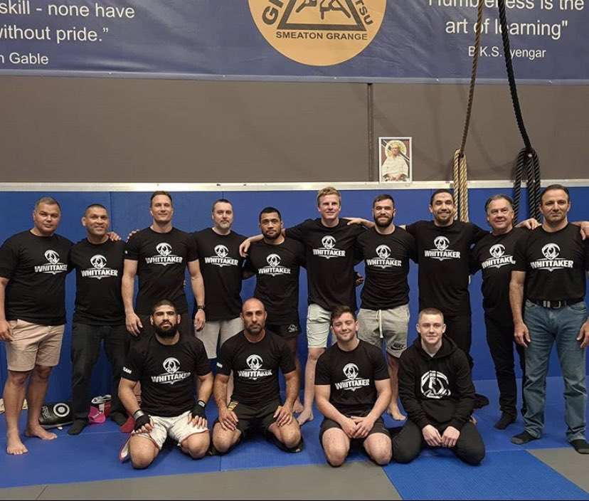 Shoutout to my team for putting in the hours to get me here !!!! Last session together before we head out. 2 weeks to go #ufc254 #teamwhittaker #teammalkoun #wereready #oneteamonedream 👊🏽 https://t.co/Xvj5ogfEXZ