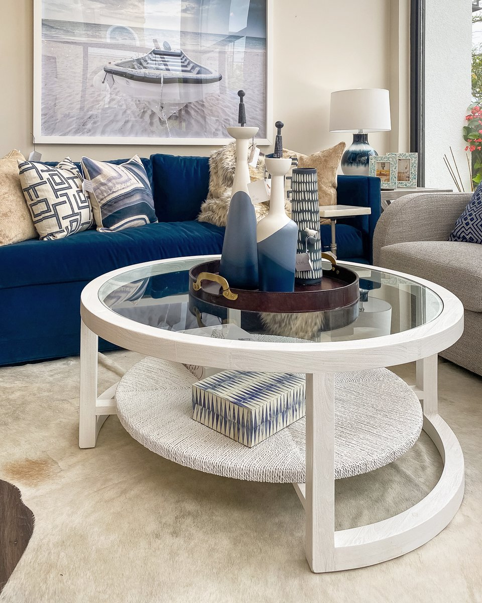 A #coastal flair with a splash of creativity! We love the many ways pattern brings a fun attitude to the room and shades of blue offer a relaxed aesthetic. https://t.co/yQHbMuZFBp  #homestore #homedecor #homefurnishings #furniture #furniturestore #interiordesign https://t.co/lKhdgrYvnJ