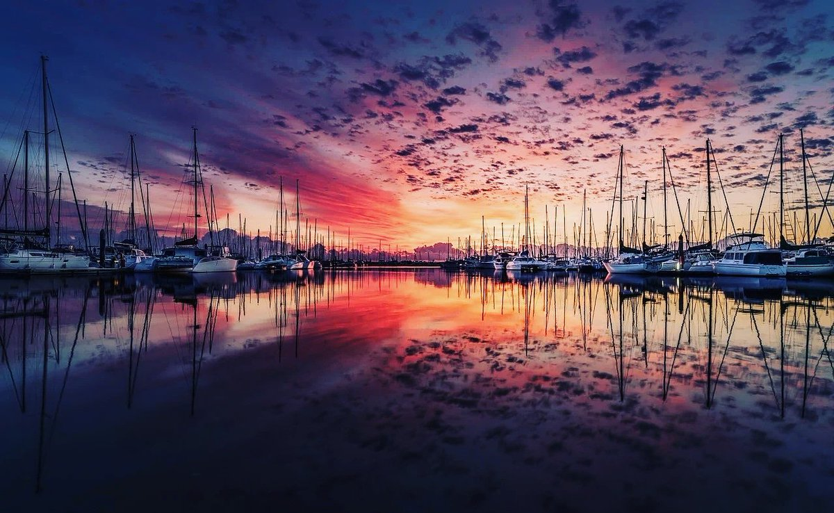 #sky #sunset #water #reflection #sunrise #cloud #marina #evening #dusk #afterglow #calm #harbor #horizon #morning #boat #sea #dock #waterway #vehicle #redskyatmorning #sound #ocean #river #dawn #landscape #watercraft #lake #inlet #port https://t.co/49ApavyI7S