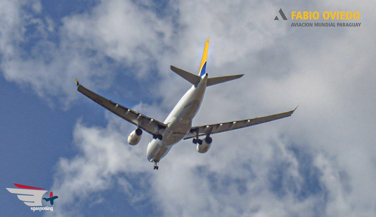 Spotting desde casa.  ✈ @Airbus A330-200F de Tampa @Avianca llegando a ASU/SGAS.  #airplane #aircraft #avgeek #planespotting #aviation  @Ferfast @jqfotoyvideo @edadmartinez @sebasstianpine @lapadjian_pablo @ArgSpotters @LeoDepalma @Vock_log @SpottersArg @bernaruno @JuanMonroig https://t.co/URsPUSrFOd