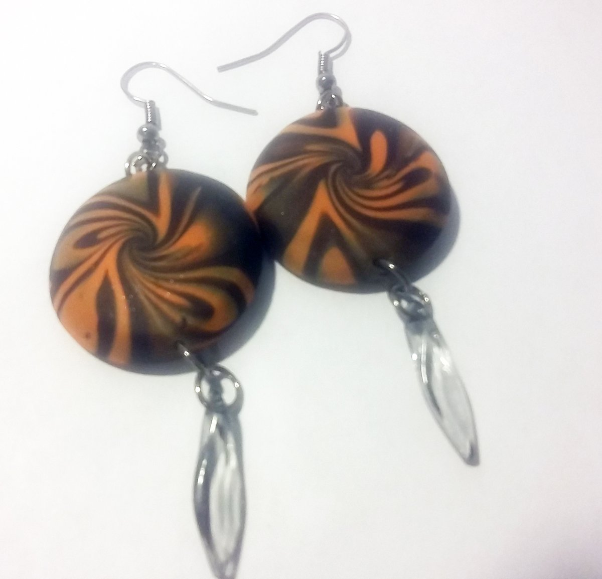 #black #costume #earrings #freeshipping #gift #giftforwomen #goth #halloween #handcrafted #handmade #holiday #jewelry #largeearrings #madeintheUSA #orange #party #polymerclay #polymerclayearrings #shippingincluded #silver #spooky #statement #statementearri https://t.co/6l5aVclx5A https://t.co/u60047R0lC