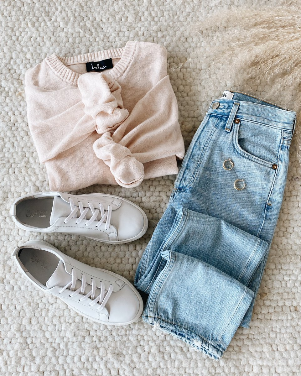 Cozy fall basics 🌾 Stock-up on soft sweaters and essential denim for the season #lovelulus Shop the look: https://t.co/Hr6iW0FyYB https://t.co/F4djxKKKws