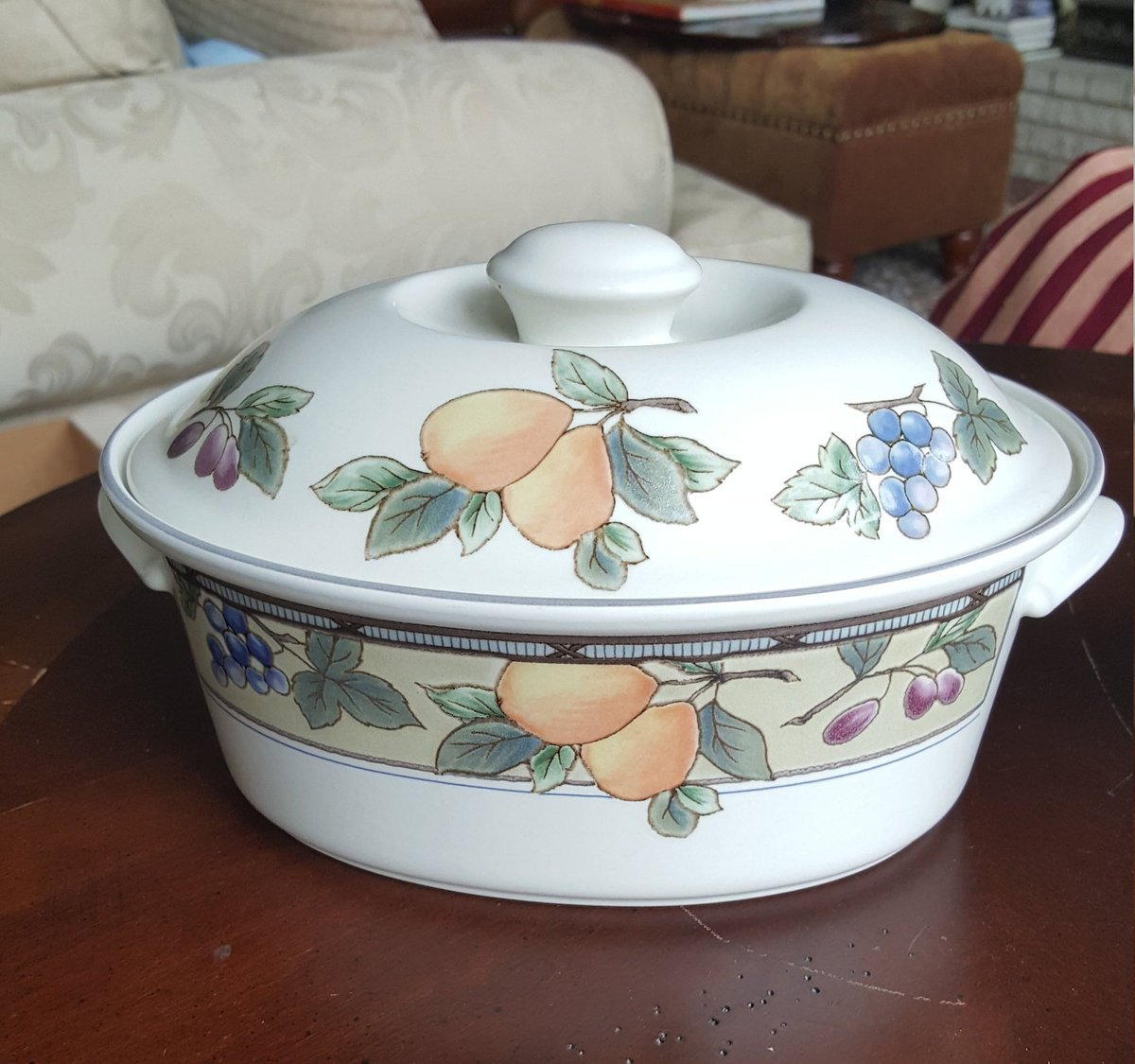 Excited to share the latest addition to my #etsy shop: MIKASA Oval Casserole with Lid 1.5 Quart in the Garden Harvest Pattern with Fruit Motif Replacement China Set Wedding gift Formal Dinnerware https://t.co/TPIyg97n7v #beige #thanksgiving #orange #wedding #gardenharv https://t.co/6bw52pDrfz