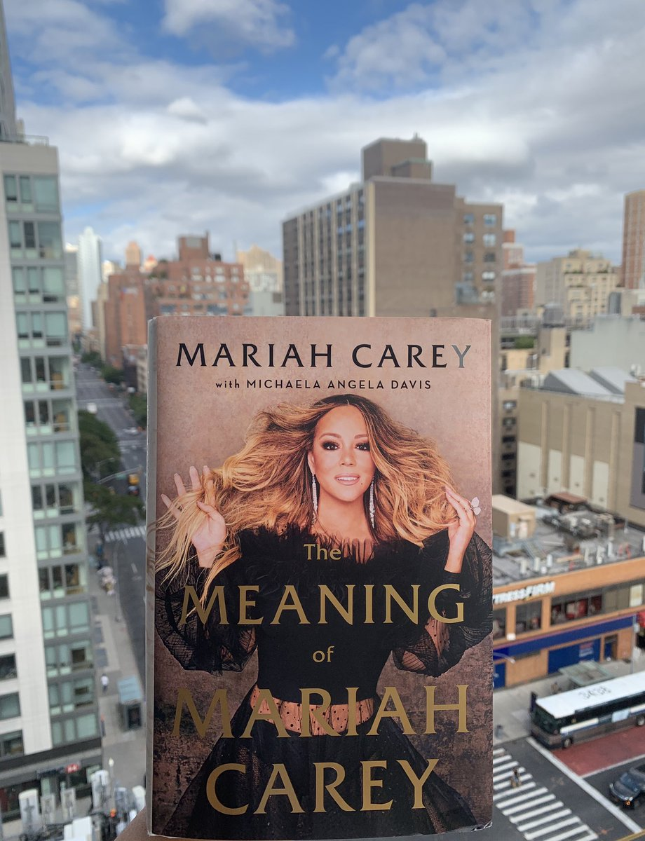 How fitting to be in NY reading @MariahCarey's gorgeously written & remarkably candid memoir #TheMeaningOfMariahCarey An engaging companion piece to her music, by sharing her truths, she's helping us all be a little #freer 💖 Congratulations and thank you!! https://t.co/LtjDi5UrJC