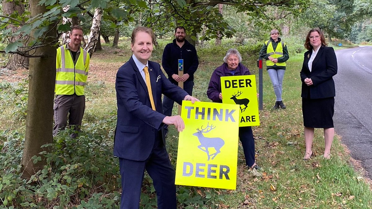 .@MatthewEllis joined Cllr Victoria Wilson and volunteers to see new deer deterrents installed at #CannockChase as part of the Deer Safety Project, supported by funding from @StaffsPFCC's People Power Fund. https://t.co/K886IzLSac