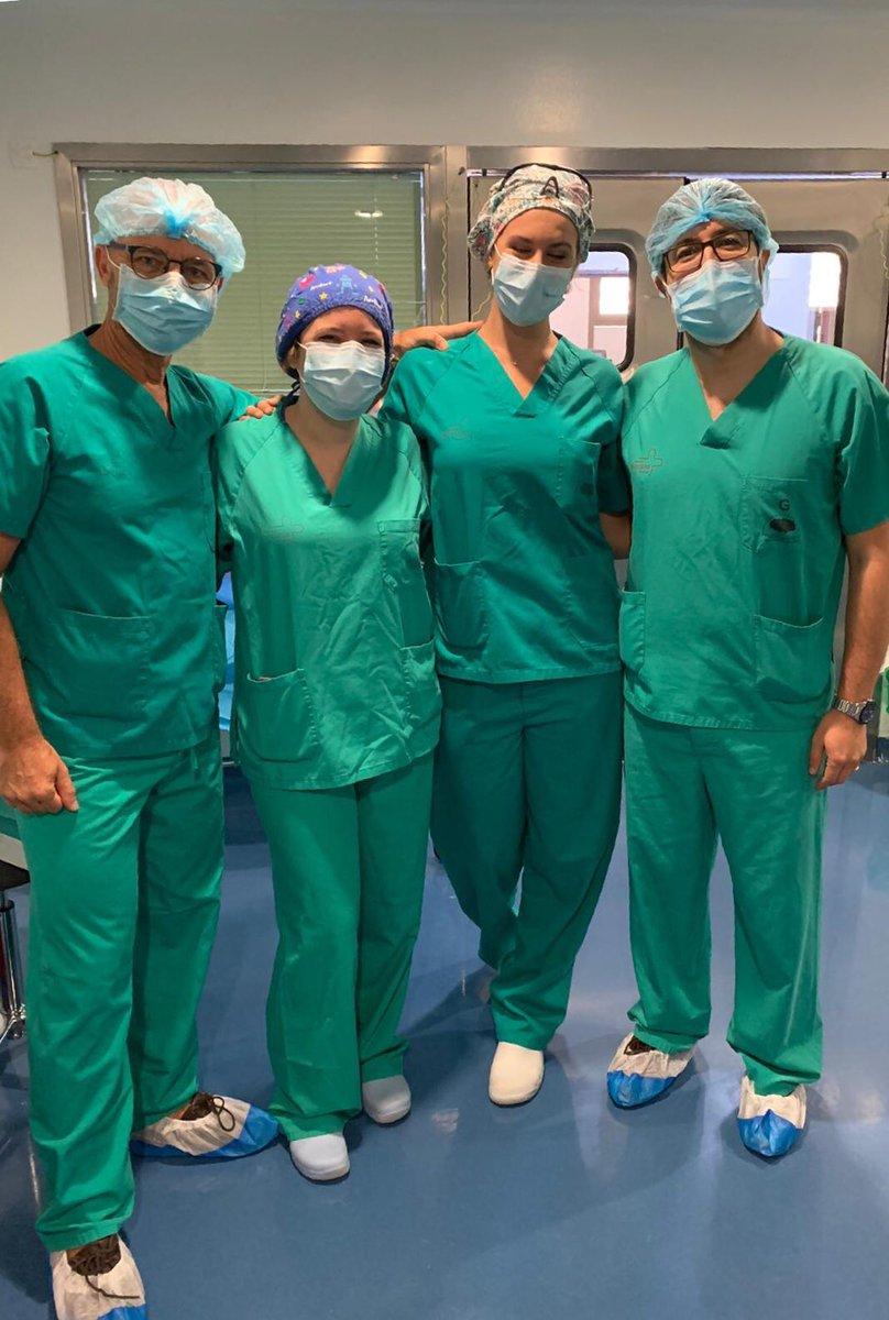 Jornada interservicios ORL Cieza-Cartagena.  Hoy tumor de parótida. Gracias a nuestros compañeros por su colaboración #juntosesmejor #tumordeparotida #cirugia #parotidectomia #EQUIPO @Area2Cartagena @Area9VegaAlta @Murciasalud https://t.co/I5otr7os9A