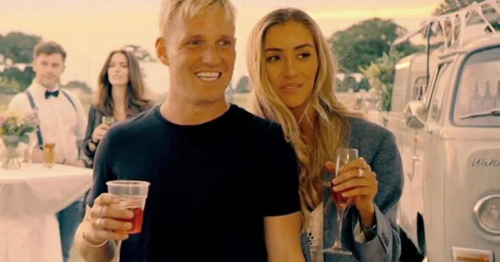 ❗️IT'S BACK❗️  Tonight #MadeInChelsea returns and it is just what we need right now 🙌 https://t.co/q0LT8wScRb