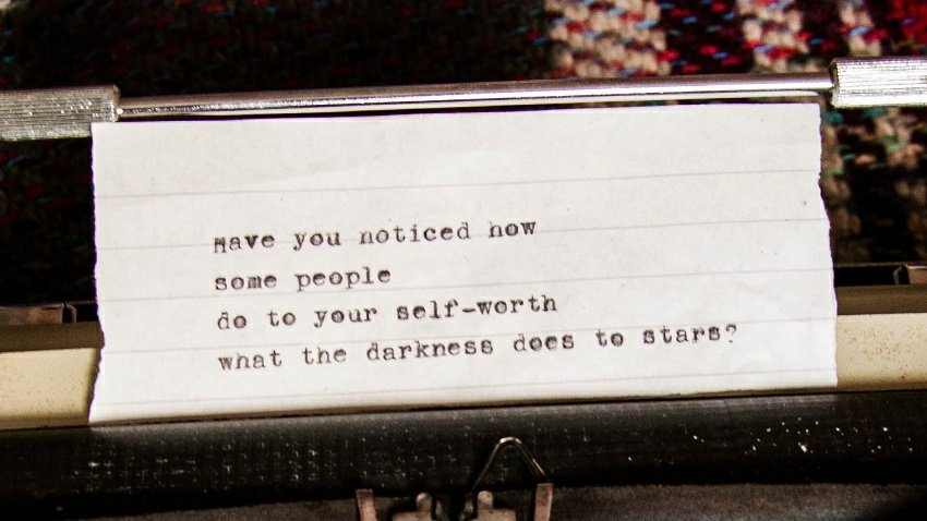A little #PoemOfTheDay ❤ Also, it's my #typewriter's 4th birthday this week, so... 🎉 https://t.co/5Z7HIcW1fh