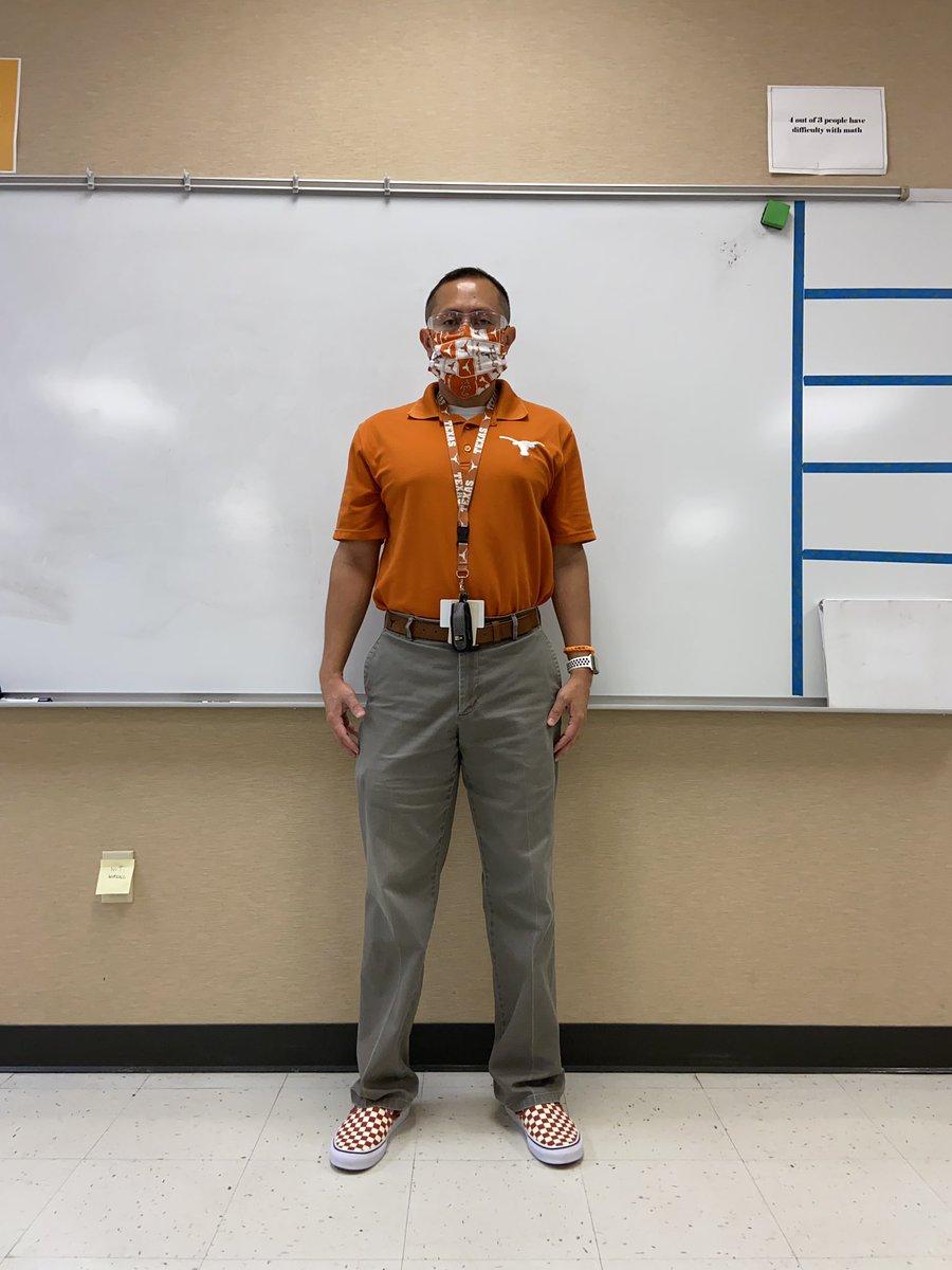 Rollin' into Monday like...  True fans represent on Monday!  @TexasFootball @TexasLonghorns @_delconte @mattjlange @TonyTQuist @VANS_66 #vans #teachersofinstagram #teacher #teacherlife #teachers #college #collegefootball #shotoniphone #texas #thisistexas https://t.co/TEuF5S2JPj