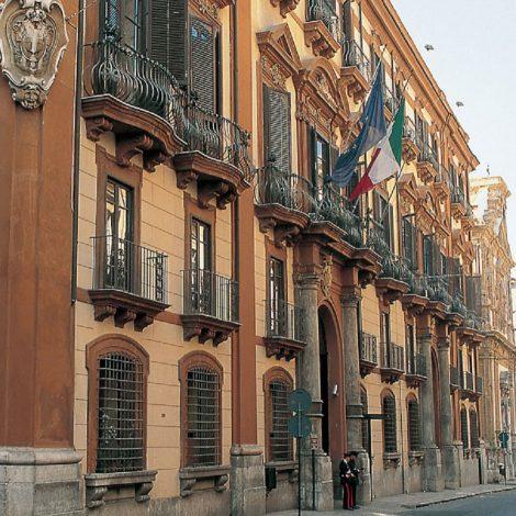 Palazzo Comitini e uffici comunali di piazza Marina chiusi, dipendenti risultati positivi - https://t.co/wZeu1MMQXV #blogsicilianotizie