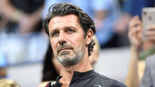 Just an appreciation tweet for Patrick Mouratoglou's hair, the guy is 50! @pmouratoglou #RG20 https://t.co/wIXpHbpYtq
