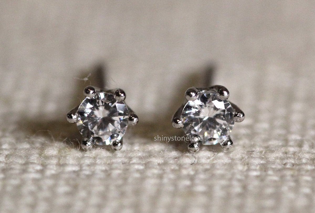 Excited to share the latest addition to my #etsy shop: 3mm Diamond Stud Earrings - 6 prong Diamond Earrings - Real Diamond Earrings - 14k Solid Gold / Cartilage / Earlobe / Tragus https://t.co/TvInZ8nis0 #girls #cartilage #minimalist #whitegold #anniversary #luck #circ https://t.co/z97J0QB1J6