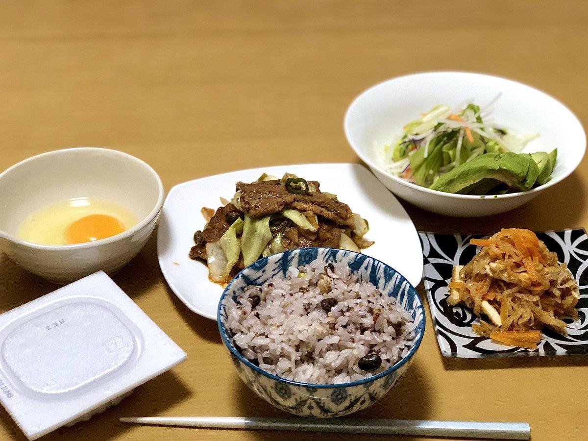 それでもお腹は空く  #男飯  #自炊  #おうちごはん https://t.co/vxjGd6C51L