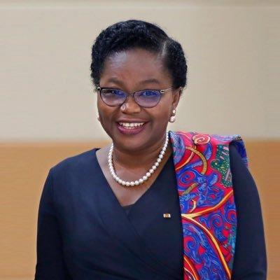 #Togo : Mme @DogbeVictoire , nommée Premier Ministre. Elle succède à @KSKlassou à la @PrimatureTogo  #TgTwittos #TGIF #Team228 @lasteven04 @DermaneNour @FrontC_TGDebout https://t.co/U30OP9NiUi