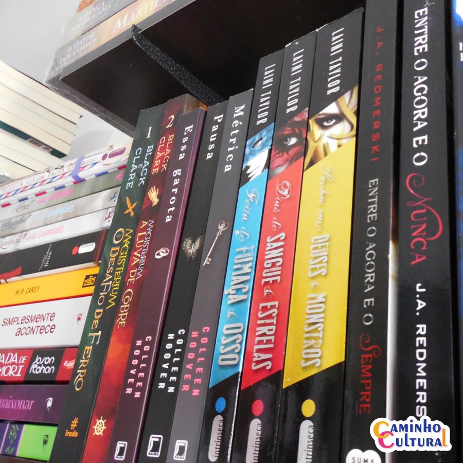 Qual livro você está lendo? ❤  #CaminhoCultural #Livros #AmoLer #UmMundoDeLeitores #BlogLiterário #Books #BookLover #Library https://t.co/OVpaqbsDZj