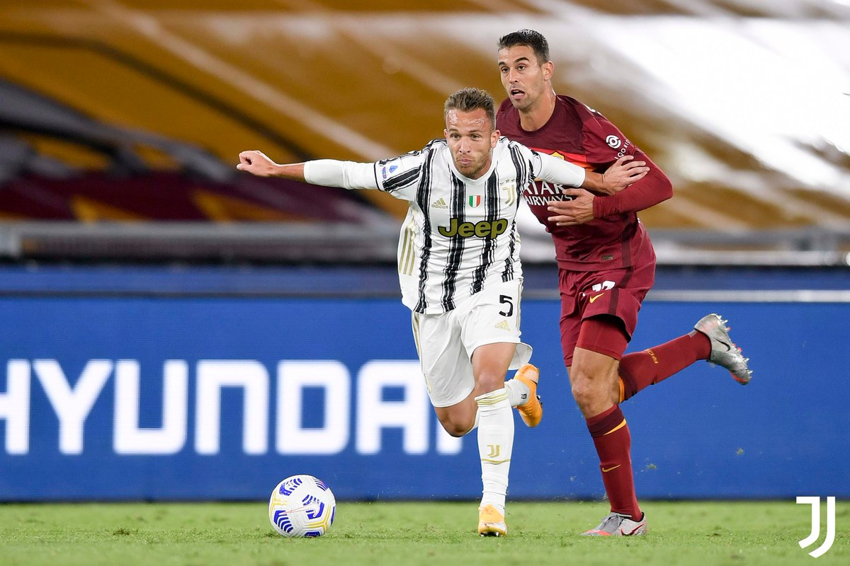 ⚪️⚫️Debut ☑️   Looking forward to seeing more of you, @arthurhromelo! 👍  #RomaJuve #ForzaJuve https://t.co/sfmf2op421