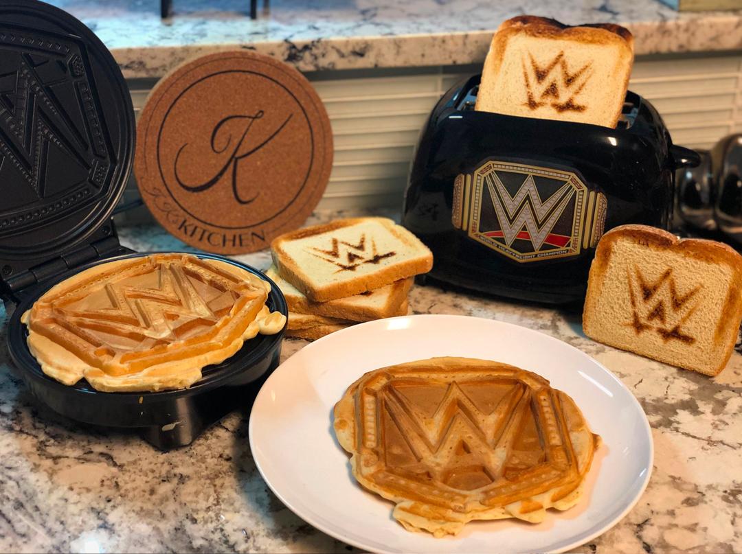 Eat like a Champion today! #brunch #WWE @WWE #wwerawlive #WWEchampionship @WWENetwork #WWEraw #WWEsmackdown #WWEsuperstars #WWEelite @WWEShop #WWEshop #WWEuniverse #WWEchampion #prowrestling #waffles #toast #sundayfunday #uncannybrands #thatsuncanny https://t.co/SC3uOByqj1
